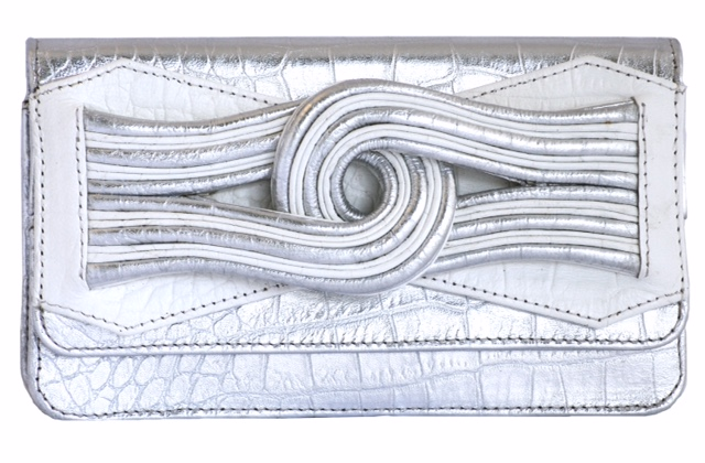 Suki in silver white